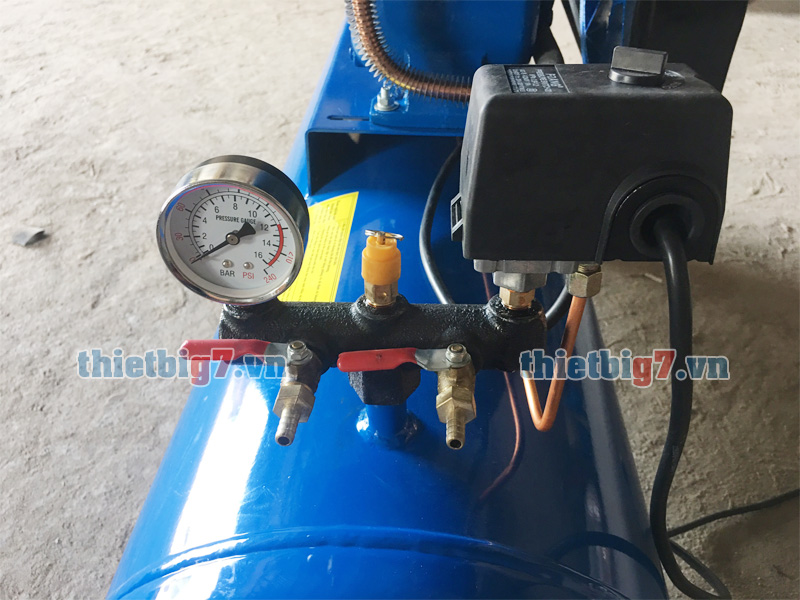 dau-chinh-ap-ngo-ra-may-bom-hoi 3hp-120l-12.5bar
