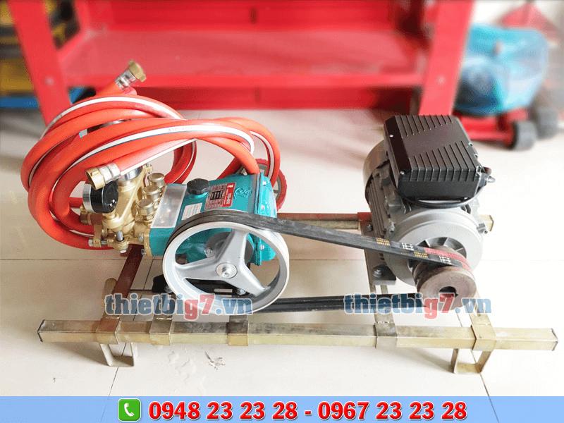 máy xịt rửa xe dây đai