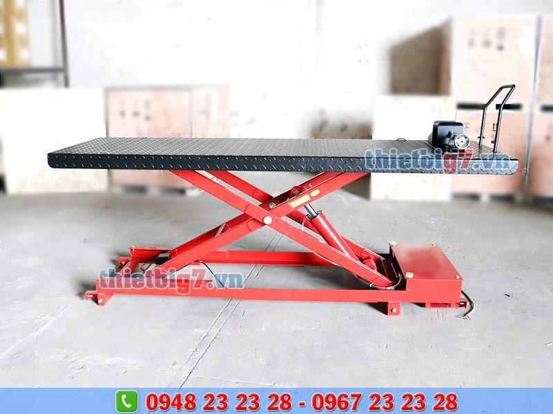 bàn nâng xe phân khối lớn